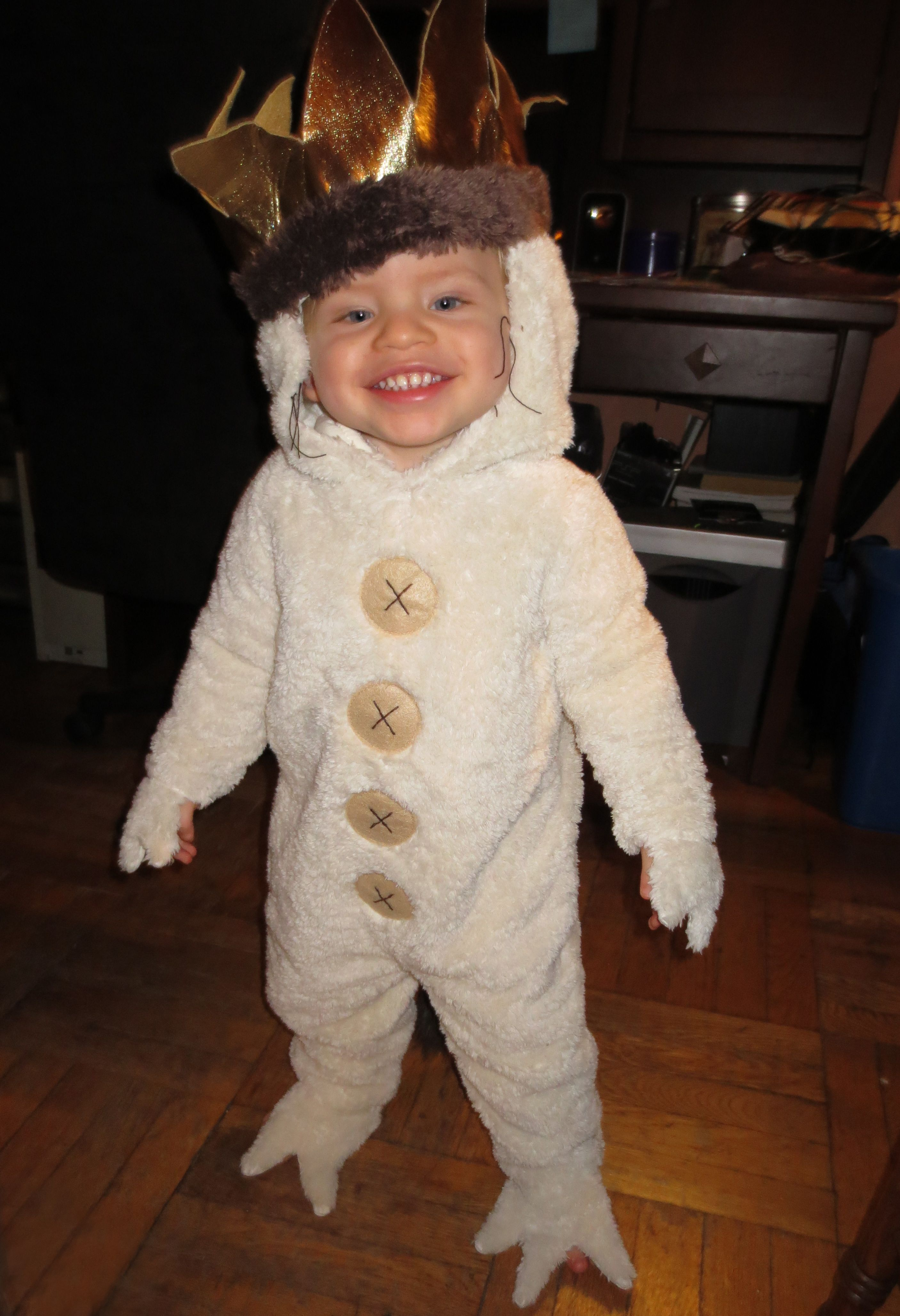 He wears this costume all year round #Hallowhenever