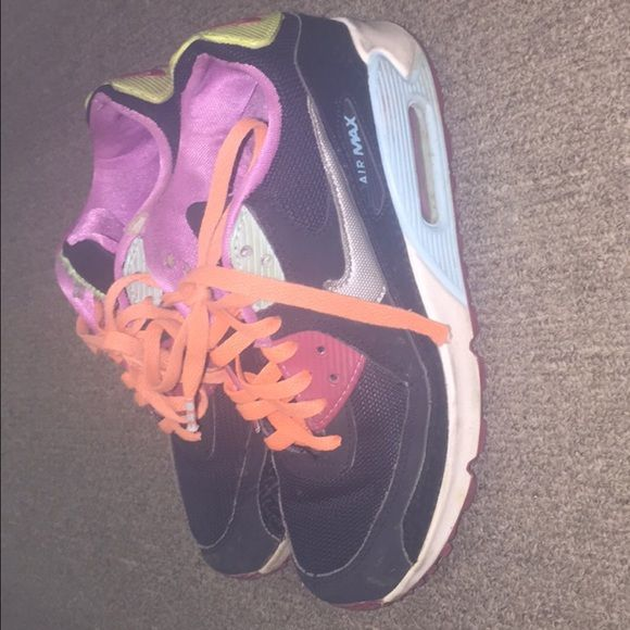 Nike air max Well worn but still have a lot of life left !! Size 7. Price reflects Nike Shoes Athletic Shoes
