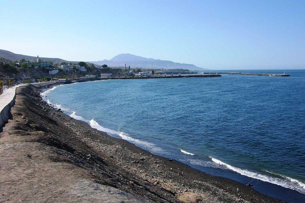 Playas negras en Santa Rosalia Baja California Sur. en 2020 | Playa de  arena, Playa, Recorrer