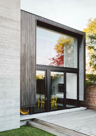 Making The Most Of Natural Light This Home Has Selected The Perfect Uninterrupted Picture Window U Architecture Architecture Exterior Residential Architecture