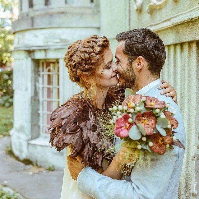 I cannot describe those feelings. It's simply amazing. Civil wedding | Cluj-Napoca #VELLUMweddings #VELLUMlife #weddingphotography #civilwedding #junebugweddings #lookslikefilm #livefolk #vscofilm #loveroflight #truelove #emotions #kiss #bride #groom #greenweddingshoes #special #moments #destinationwedding #pinterestwedding #euchaliptus #bridebouquet #babyblue #photooftheday #portra #brideinspiration #true #happiness #pinterestwedding
