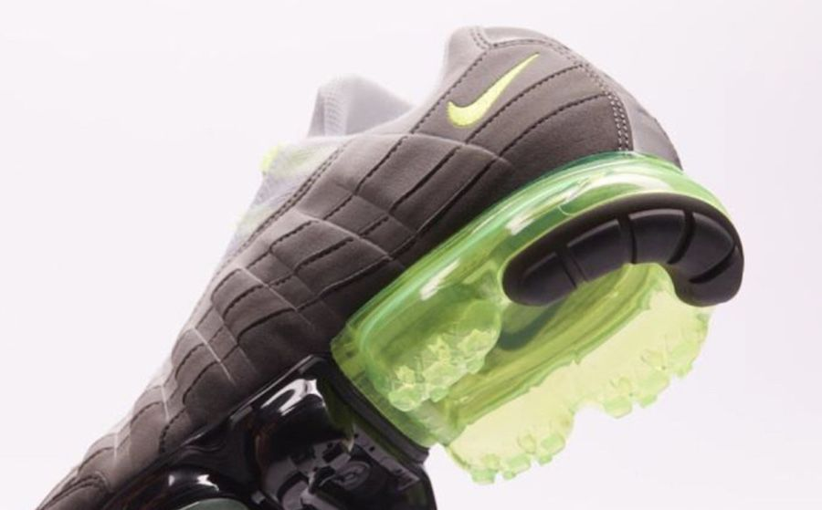 new arrival 649ba 9a0b5 First Look At The Nike Air VaporMax 95 OG Neon | Nike Air ...