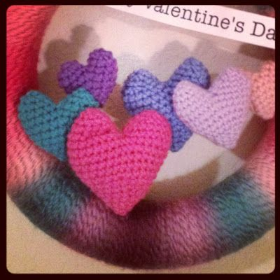 CRAFTYisCOOL: Free Pattern Friday! Valentine's Day Yarn Wreath