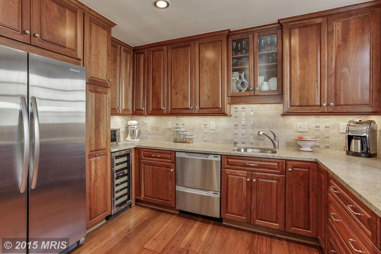 827 Royal St S Alexandria Va 22314 Kitchen Remodel Kitchen Design Kitchen Dining Room