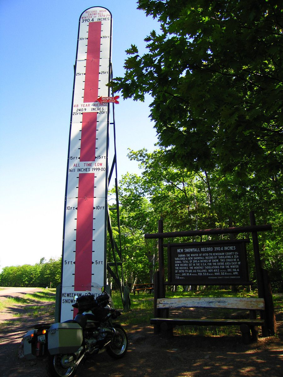 Snow marker just north of Houghton-Hancock, Michigan  Record of 32 Feet!