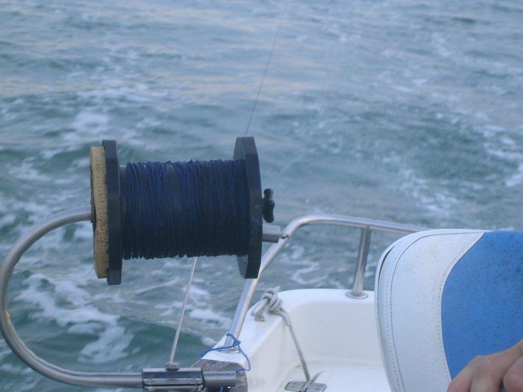 Fabriquer Un Treuil De Traine Avec Plan Et Astuces Pour Cet Enrouleur Treuil Peche Peche En Mer