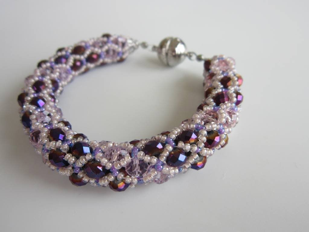 pattern with rondelles, finally ;)  even if it is russian Netted Bracelet with 4x6mm oval beads #Seed #Bead #Tutorials