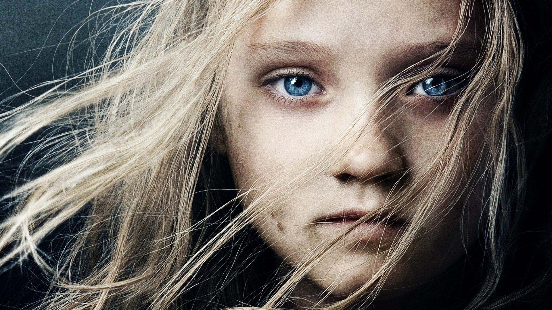 blue eyes girl wallpaper