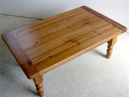 Amazing Varnishing Pine Coffee Table
