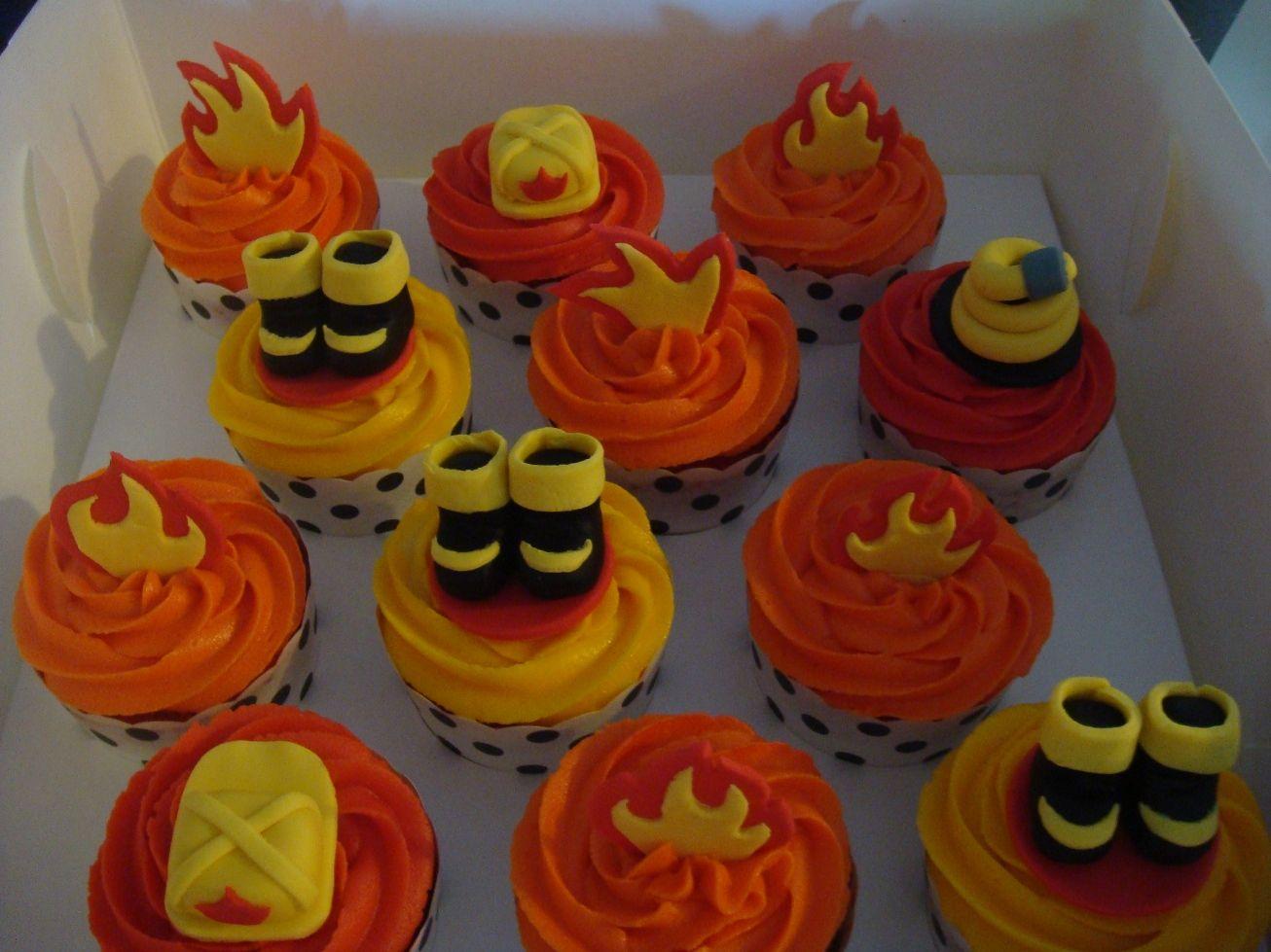 Firefighter Cupcake Decorations 17 Best Ideas About Firefighter Cupcakes On Pinterest Fire Party