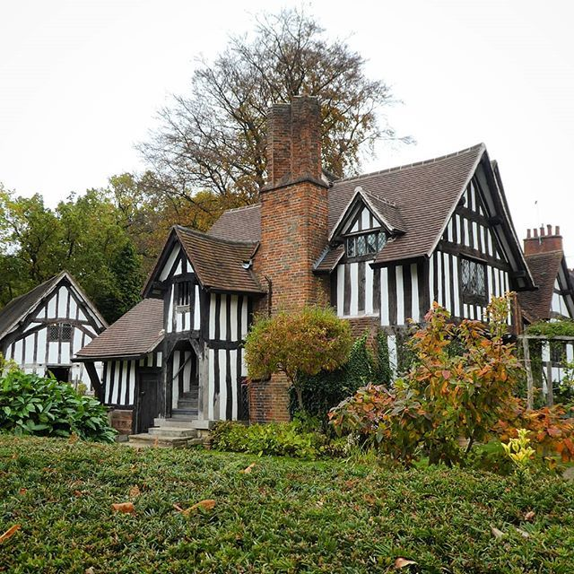 Clairmont Cottages Birmingham Al: This Is The Beautiful Selly Manor In Bournville, In The