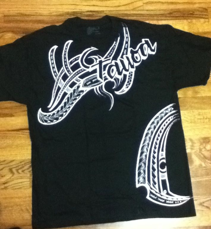 Hand Painted Black T Shirt With Polynesian Tribal Designs Polynesian Tattoo Polynesian Designs Tshirt Designs