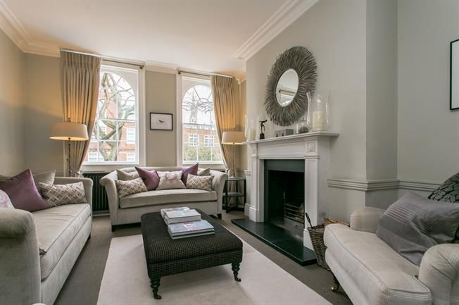 £3,700 per Calendar Month, 4 Bedroom Town House To Rent in ...