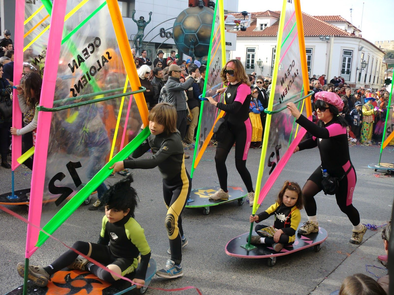 Carnaval de Torres Vedras #carnaval #torres #vedras #portugal hotesi desde 55€ => http://bit.ly/1vpUwlo