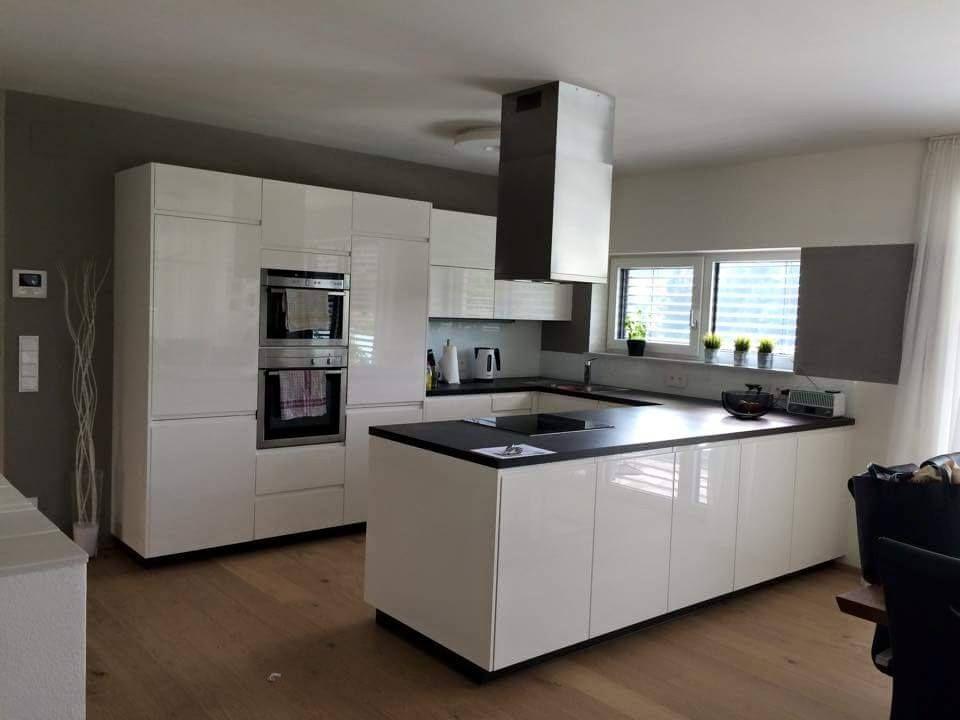 weiße Küche mit Kochinsel Küchen mit Kochinsel