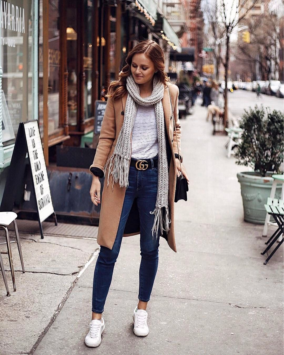 Winter Street Style Fashion Ideas For Women 2020: Casual Layered Winter Look With Sneakers