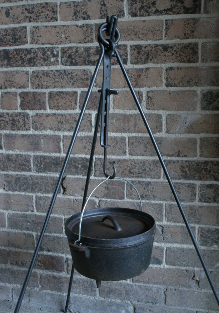Campfire cooking tripod trammel hook bushcraft dutch for How to cook in a dutch oven over a campfire