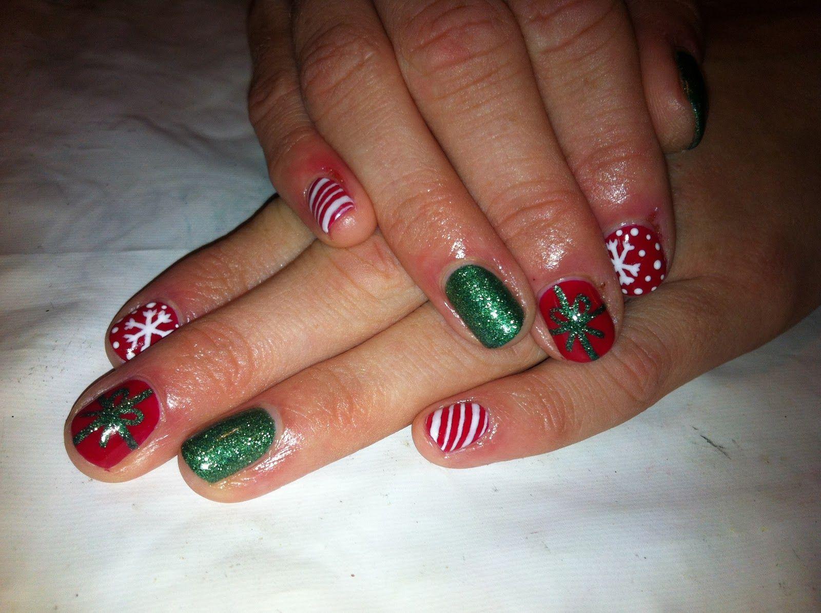 Brush Up And Polish Up Christmas Shellac Nails Xmas Nail Art Christmas Nails