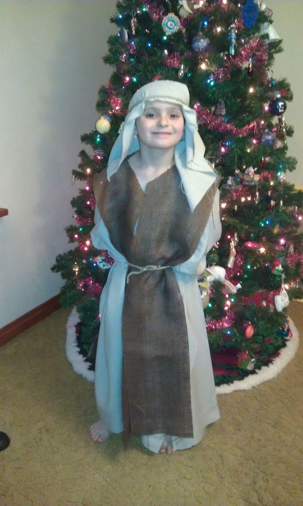 Shepherd S Costume For Church No Sewing Involved Shepherd Costume Christmas Dress Up Nativity Costumes