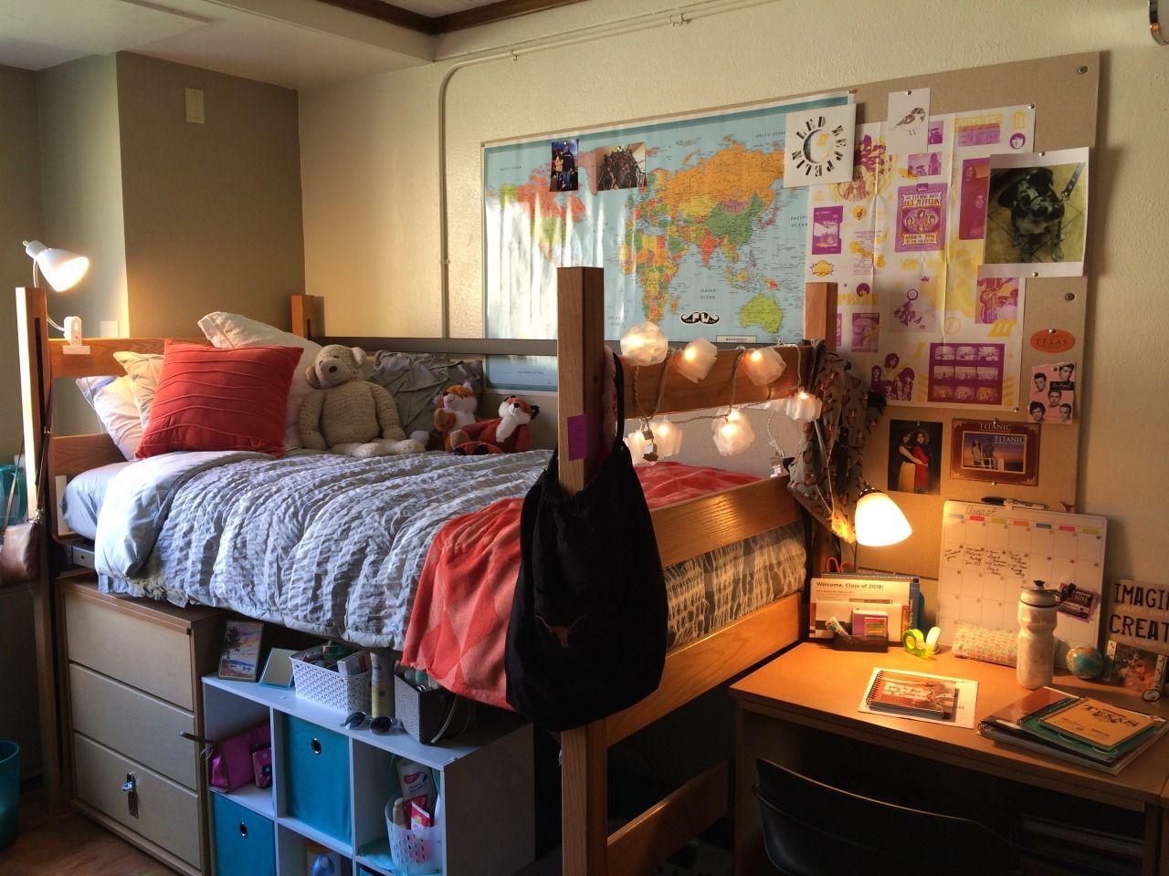 University of Texas at Austin, Moore Hill Cool dorm
