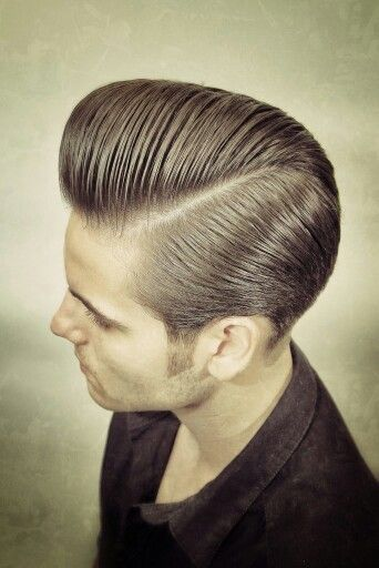 Mens Messy Pompadour Haircut