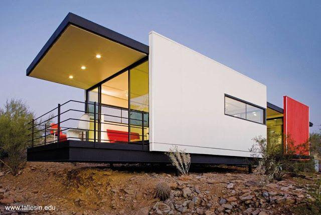 Dise o de casa prefabricada modular ultramoderna en un for Casa ultramoderna