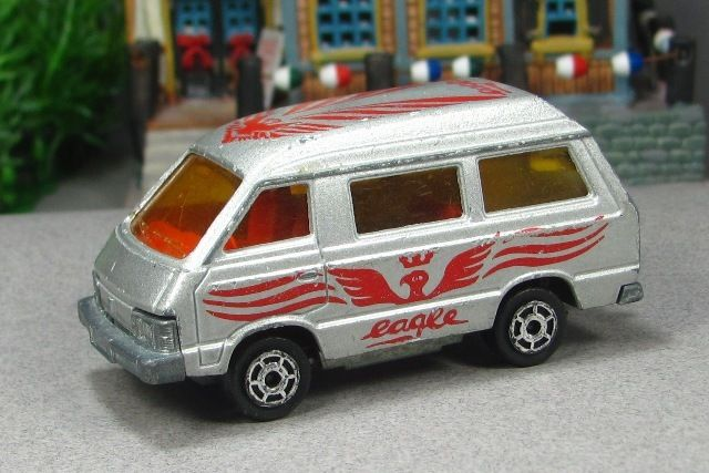 b8383763375aa1 1984 Toyota Majorette Van. This was one of my first die-cast toy vehicles!