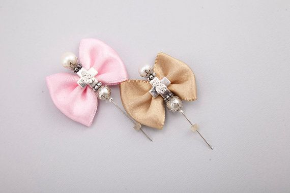 Check out this item in my Etsy shop https://www.etsy.com/it/listing/267264795/15pc-christening-boutonniere-favor