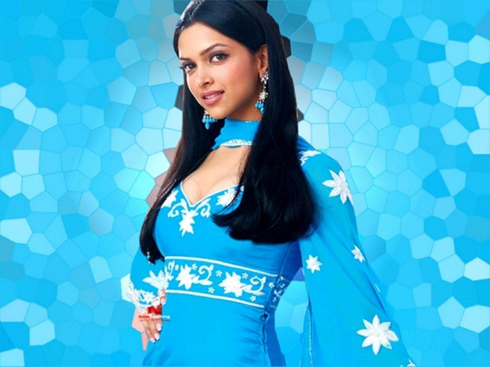 Sweet Deepika Padukone Blue Dress 1600x1200 246510 Bollywood Dress Deepika Padukone Bollywood Hairstyles