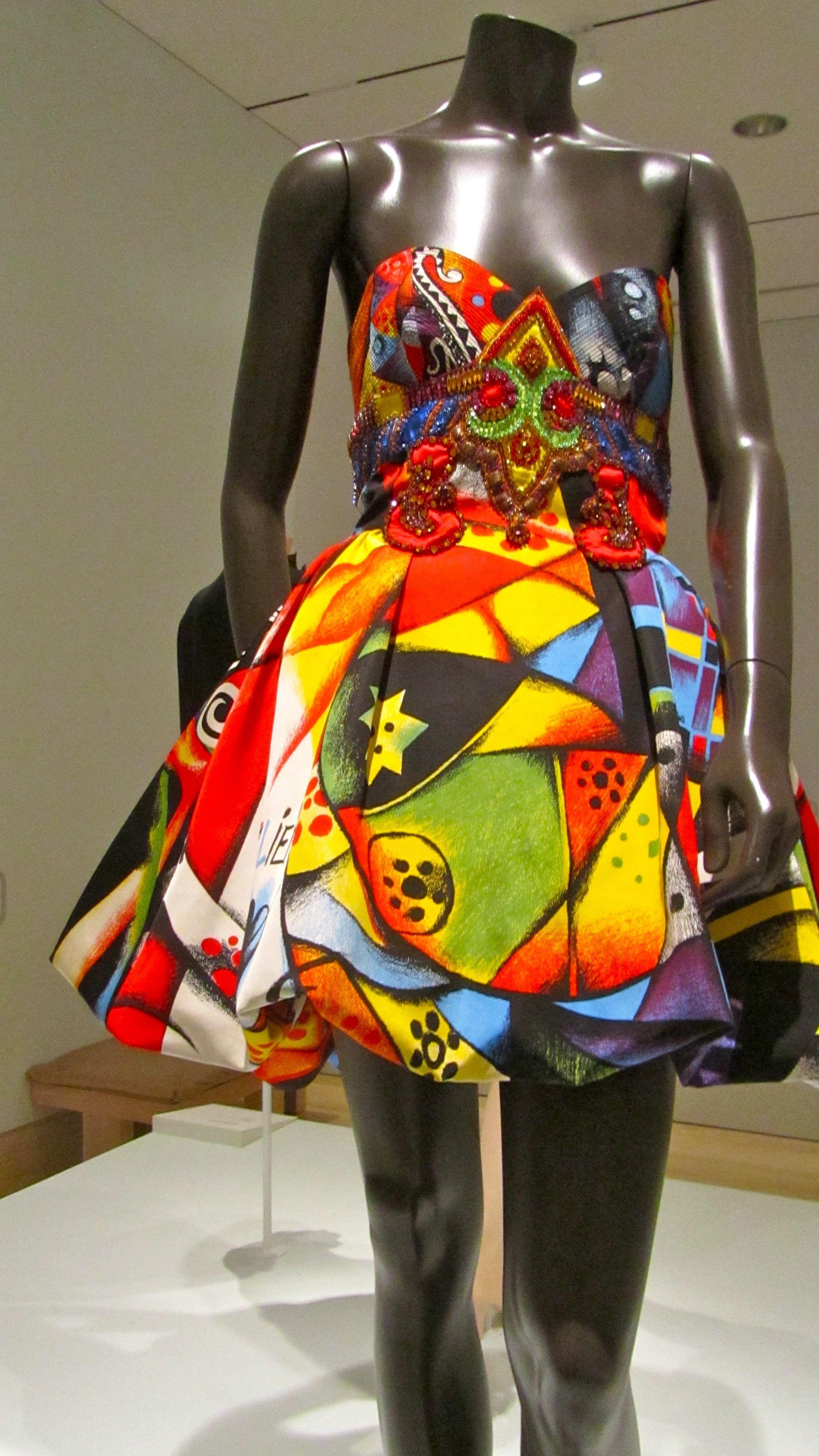 Gianni Versace Designs  a8399c8305c
