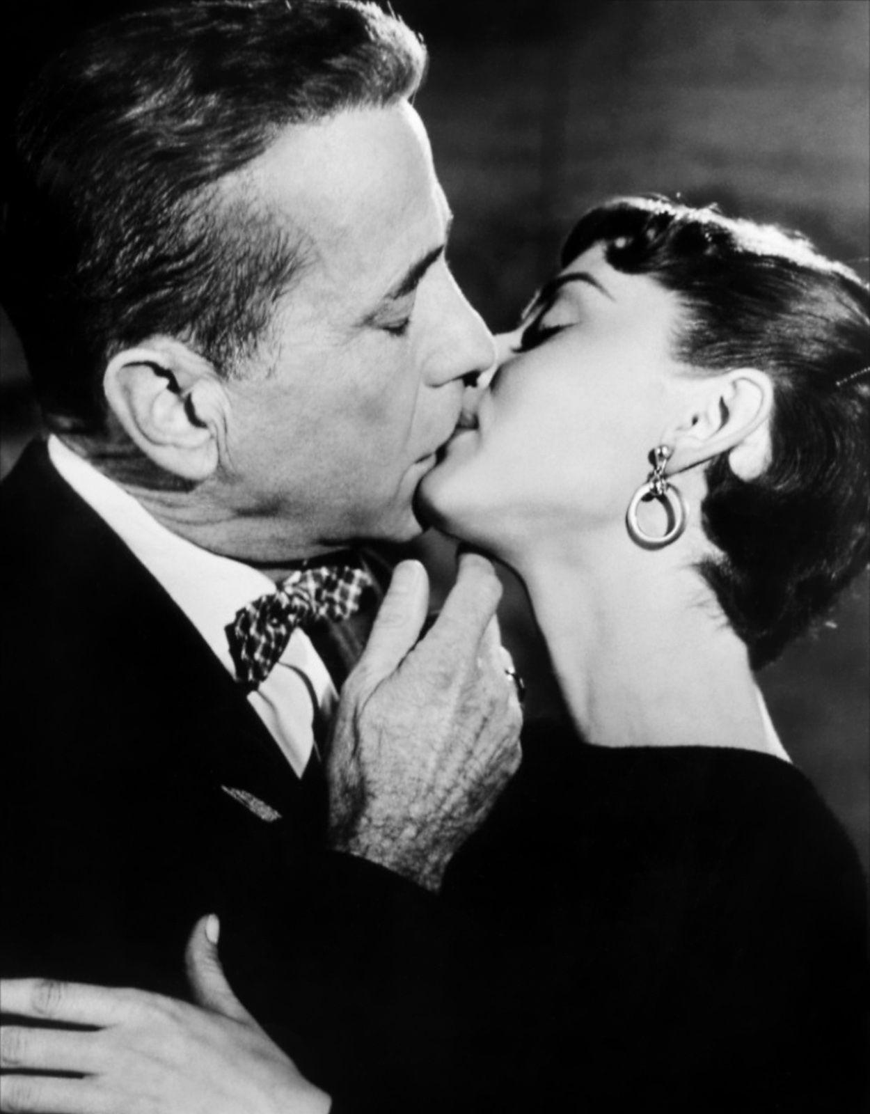 audrey hepburn humphrey bogart kiss in sabrina film