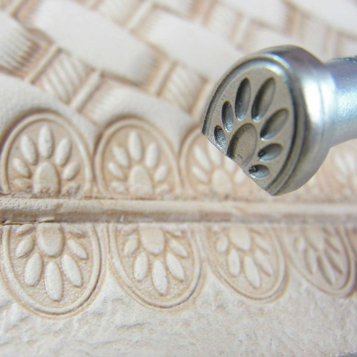 Unbranded leather stamping tool smooth paw print border stamp
