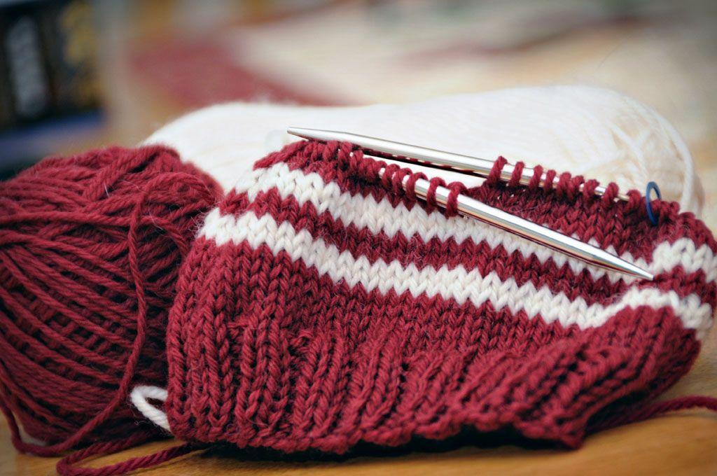 Knit Hat Free Pattern 4 5 Sts 1 On 8 Needle Light Worsted Weight Circular Knitting Patterns Basic Knit Hat Knitting