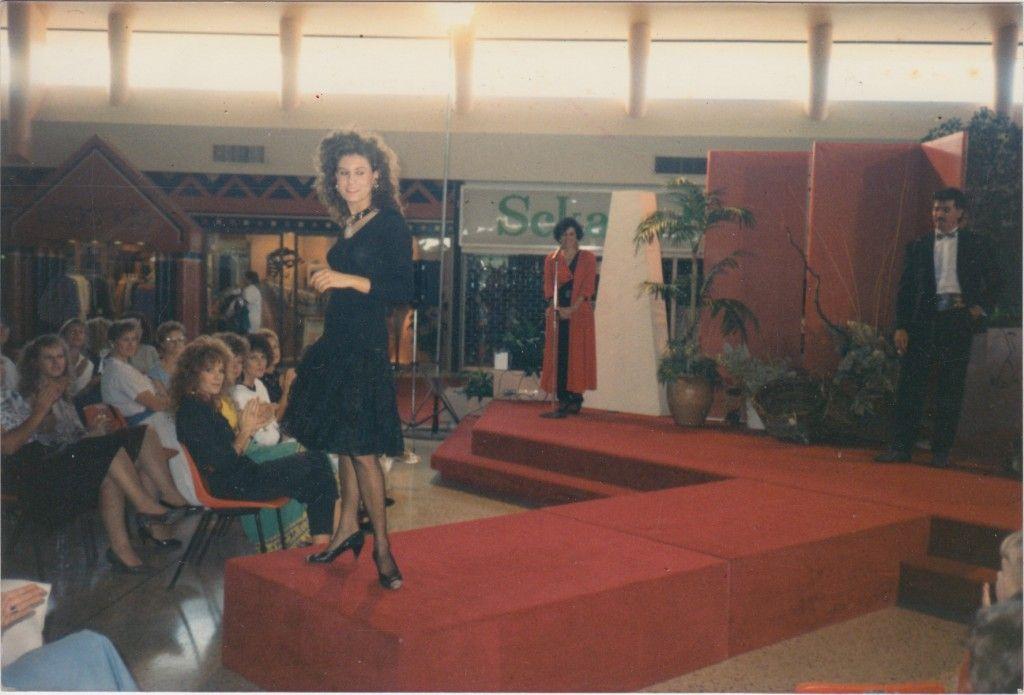 Fashion parade, Brookside Shopping Centre, 1986 / Ros