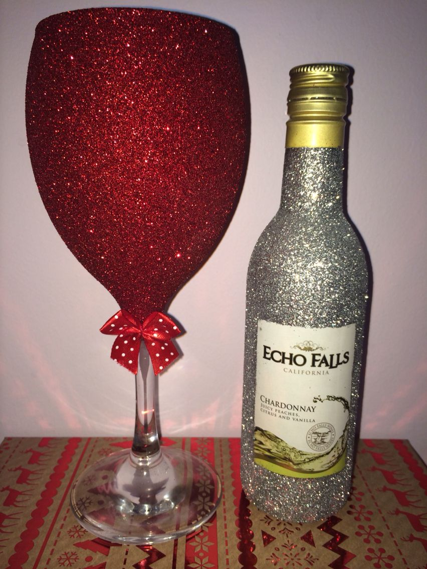 Christmas Glitter Wine Glass And Glitter Mini Wine Purchase Online At Www Facebook Com Theglitterroom Glitter Wine Glasses Glitter Wine Glass Glitter Wine