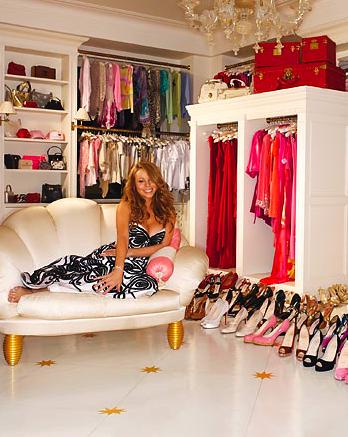 Cabina Armadio Mariah Carey.Mariah Carey In Her Amazing Pink And Gold Dressing Room Dreamy