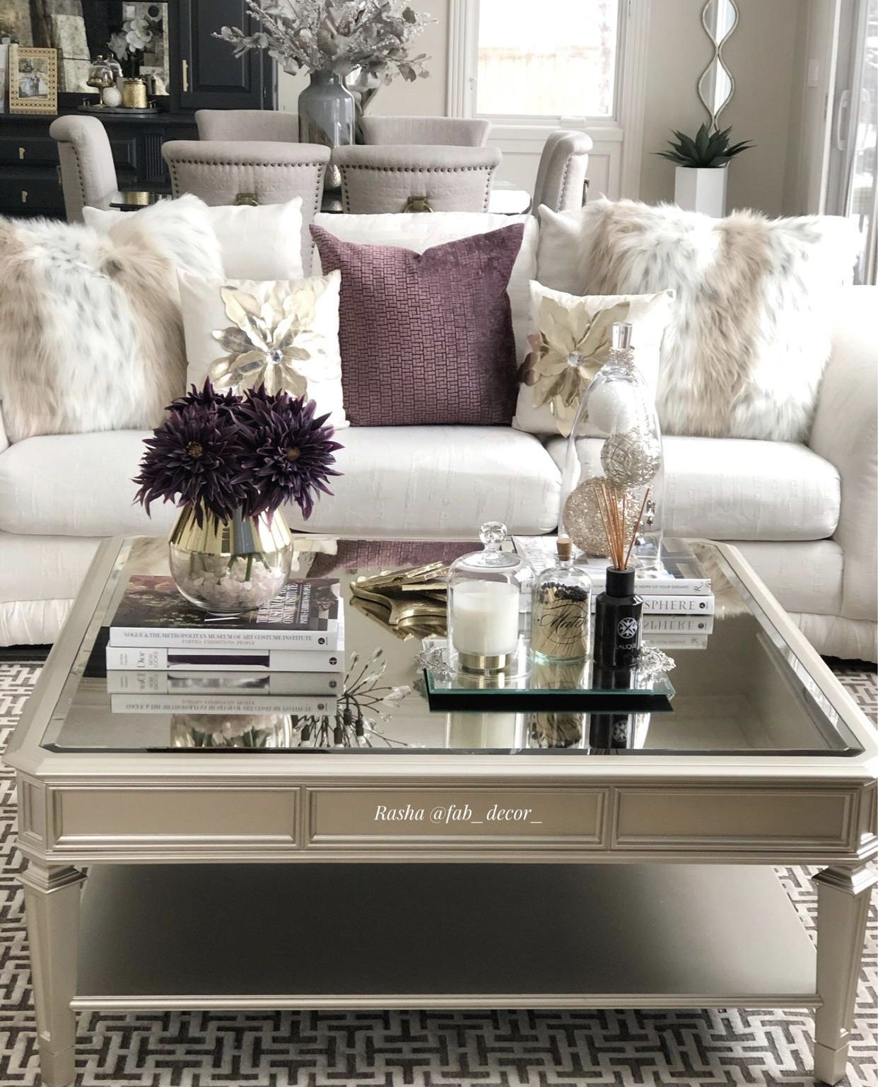 Shop my living room space  #homedecor #livingroom #livingroomdecor #homedesign #coffeetable #luxurioushomes #newhome #homesweethome #luxuryhomedesign #staging #decoronabudget #diningroom #diningroomdecor #designonadime #interior