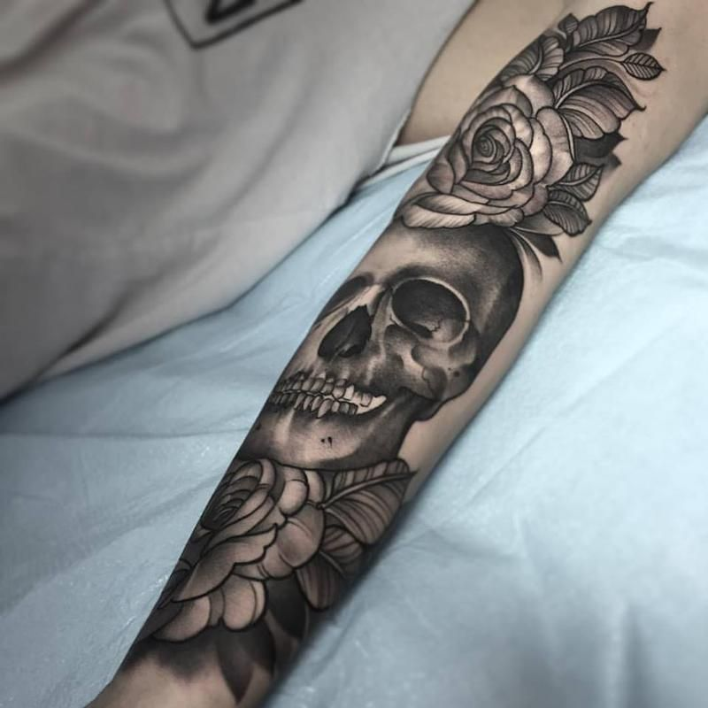 Laura Jade Black And Grey Skull With Roses Tattoos Full Body Tattoo Black And Grey Tattoos