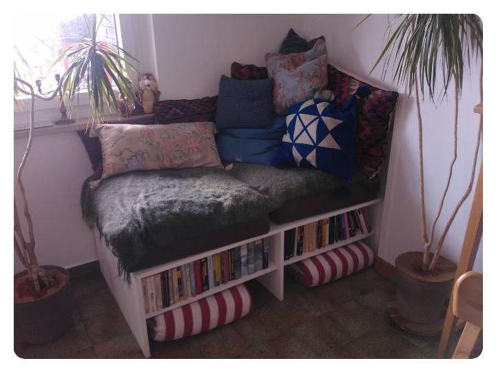 das podest habe ich aus im baumarkt zurecht geschnittenen spanplatten zusammengeschraubt. Black Bedroom Furniture Sets. Home Design Ideas