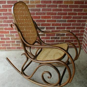 Attirant Antique Wicker Rocking Chair
