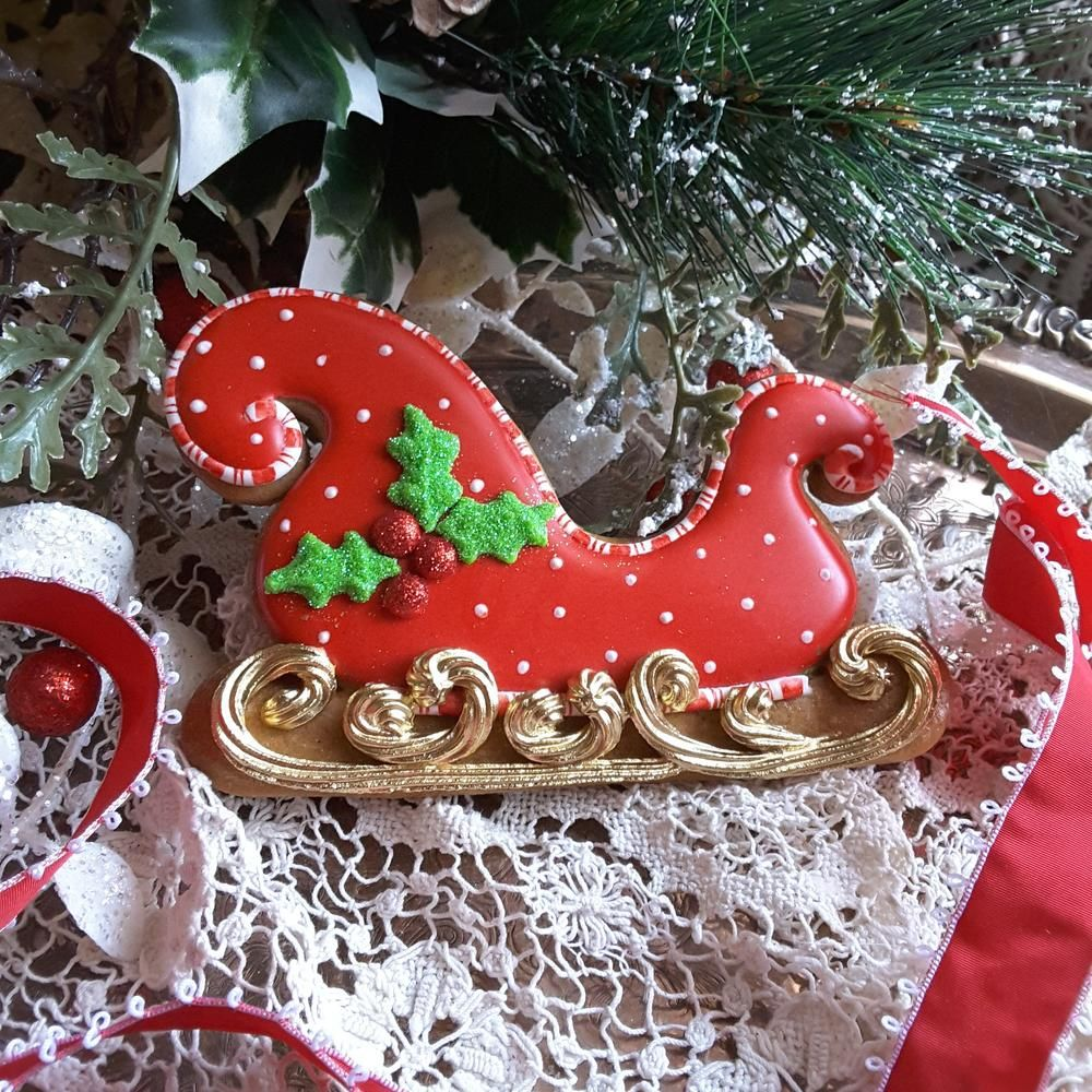 Sleigh Red And White Polka Dot Candy Cane Trim Bright Gold