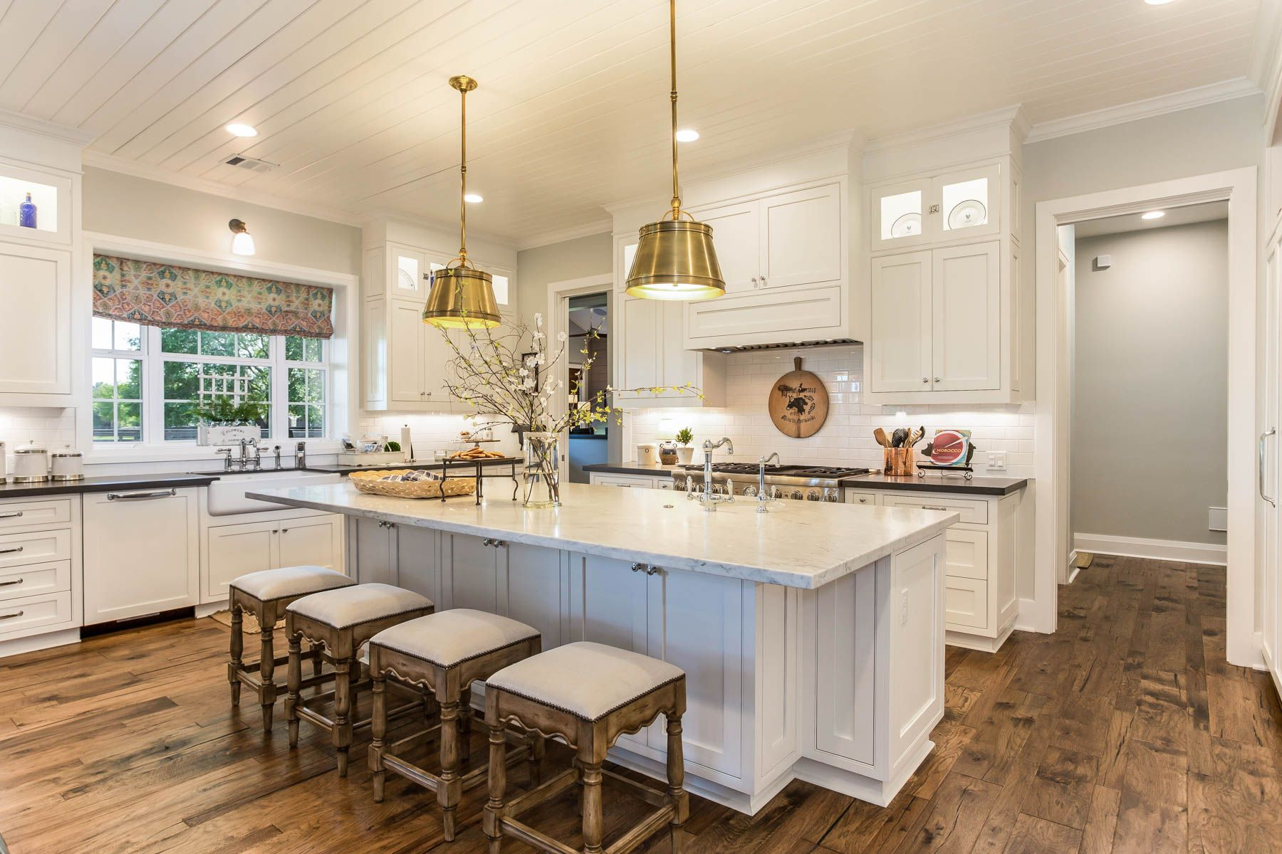 HOME (With images) Farmhouse kitchen design, White