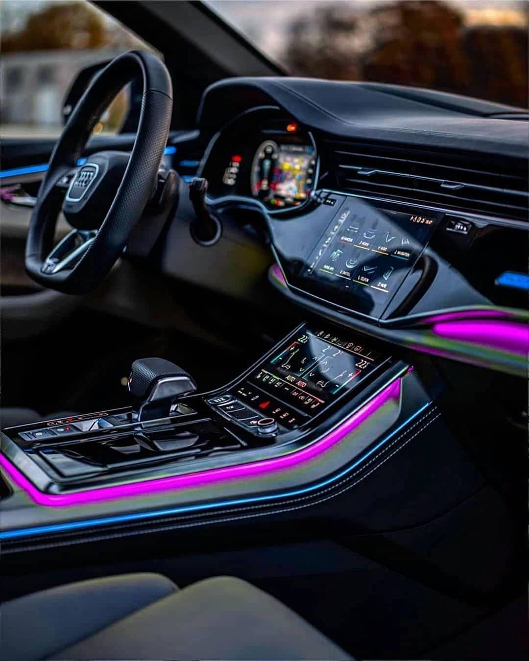 Q8 Interior Rate It From 1 100 Follow Uber Luxury For More Via Aboutyunus Carhoots In 2020 Audi Rs Luxury Car Interior Best Luxury Cars