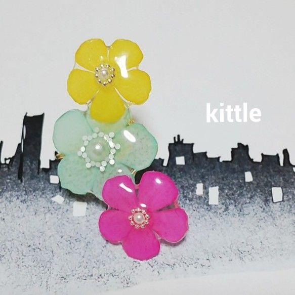 handmade accessoryオリジナルアクセサリー ハンドメイド   本物のフロックス(着色)押し花を使用したアクセサリーです。花びらに樹脂でコーティ... ハンドメイド、手作り、手仕事品の通販・販売・購入ならCreema。