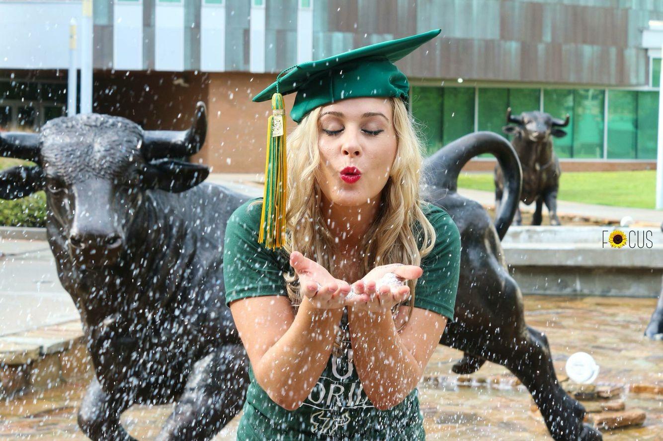 Glitter Graduation Photo Picture Idea At Usf Graduation Photoshoot Graduation Pictures Grad Pics