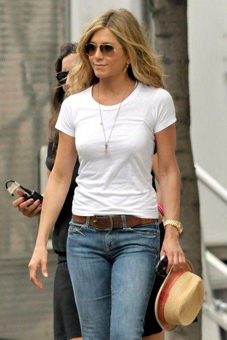 0ebc33247543 Jennifer Aniston -White T-Shirt | Timeless Chic - C'est Chic Crash ...