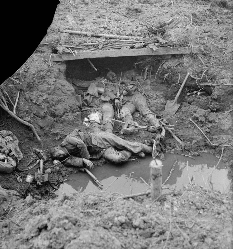 FIRST WORLD WAR CASUALTIES WESTERN FRONT (Q 11668) Dead Germans ...