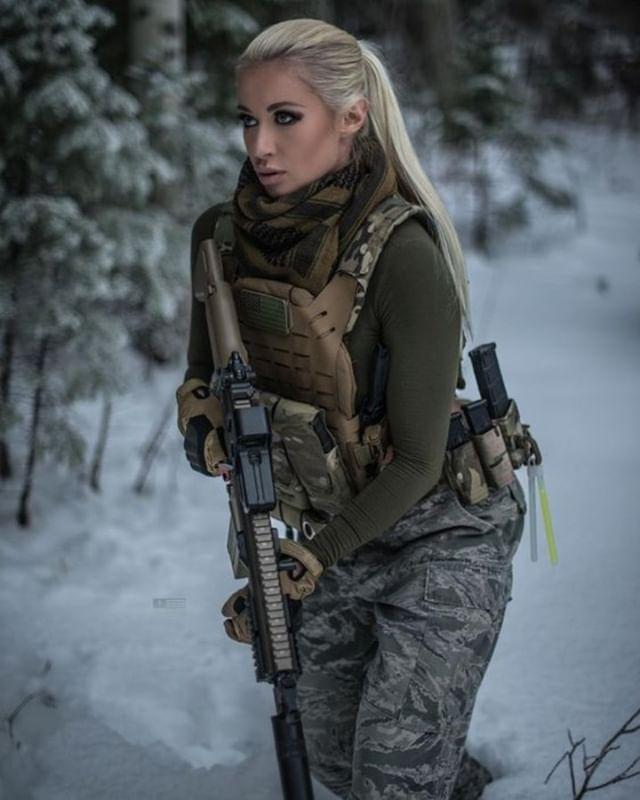 актрисы с оружием фото: 6 тыс изображений найдено в Яндекс ...