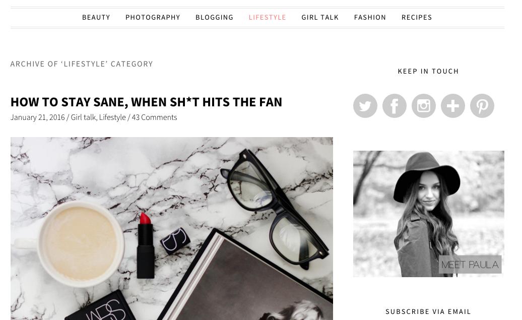 http://www.thirteenthoughts.com/  Me gustó mucho el diseño de este blog, me encnata que mantengan los colores predominantes en blanco y negro.