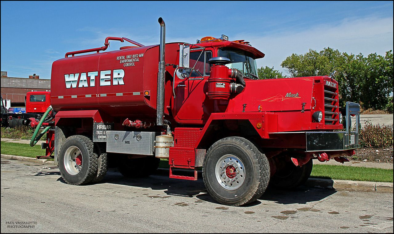 hight resolution of mack dm 4x4 water wagon